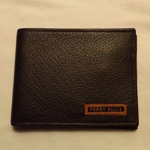 Perry Ellis West Virginia Passcase Leather Wallet